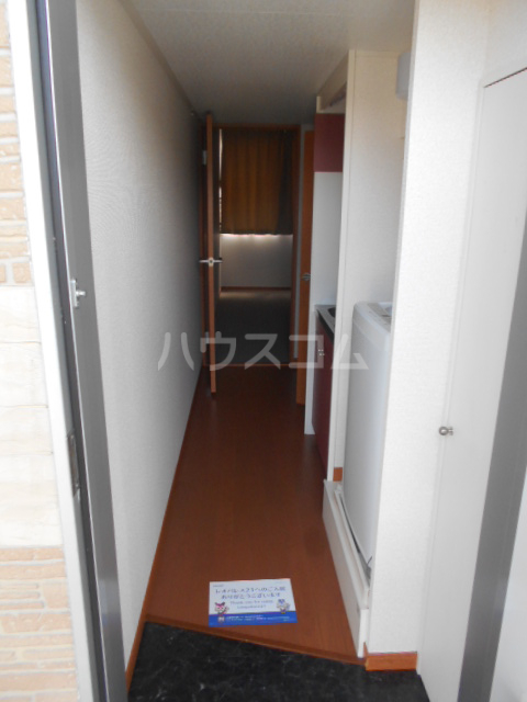 レオパレスグランシャリオⅡ 101号室の玄関