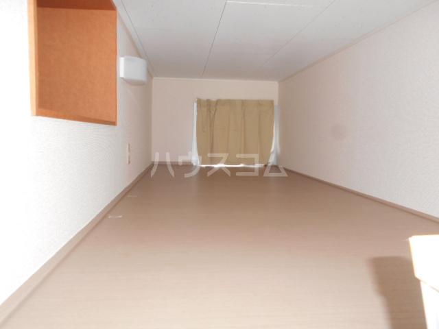 レオパレスグランシャリオⅡ 101号室のベッドルーム