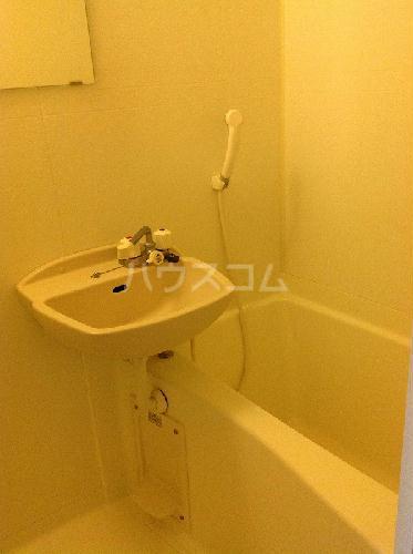 レオパレス青葉 212号室の洗面所