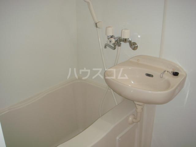レオパレス葵 210号室の風呂