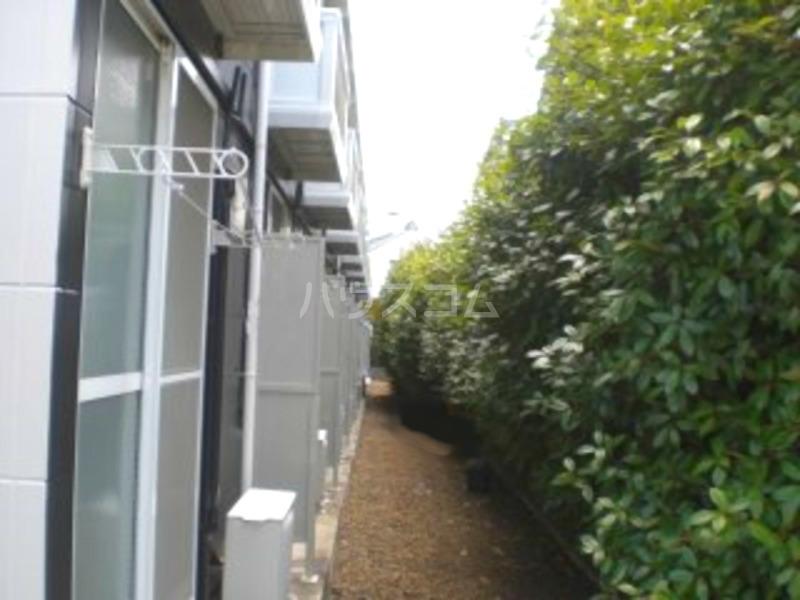 レオパレス葵 210号室の庭