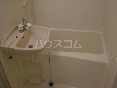 レオパレスジュネス 204号室の洗面所