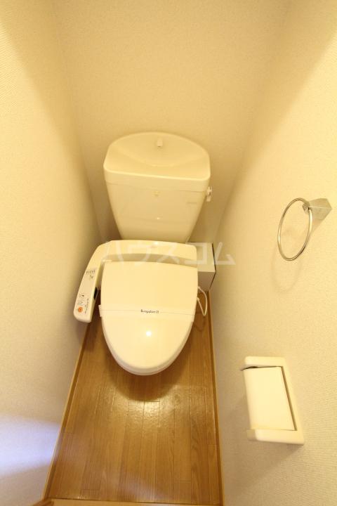 レオパレスグランズ浄水 106号室のトイレ