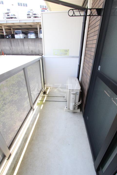 レオパレスグランズ浄水 106号室のバルコニー