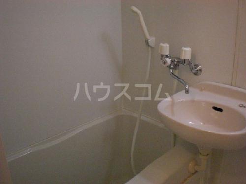 レオパレスマカービルシャナ 205号室の洗面所