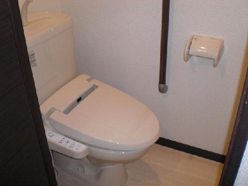 レオネクスト吉良吉田 204号室のトイレ