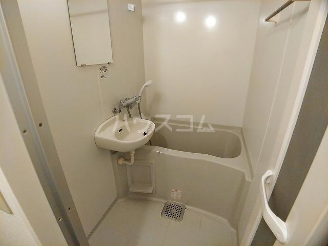 レオパレスエパティーク 106号室の風呂