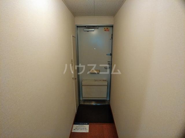 レオパレスエパティーク 106号室の玄関