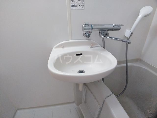 レオパレスエパティーク 202号室の洗面所
