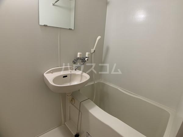 レオパレスバローネⅡ 309号室の洗面所