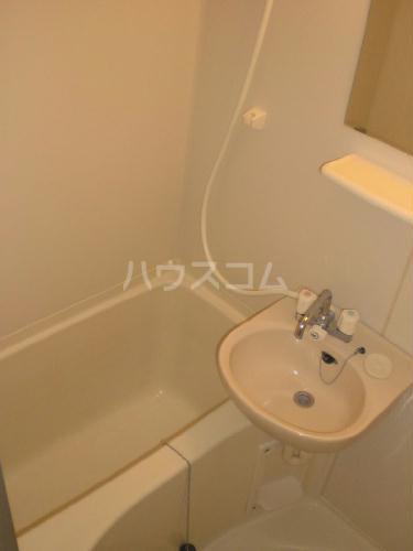 レオパレス三立ハイツA 102号室の洗面所