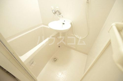 レオパレス三立ハイツC 202号室の洗面所