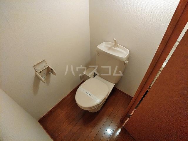 レオパレスA 105号室のトイレ