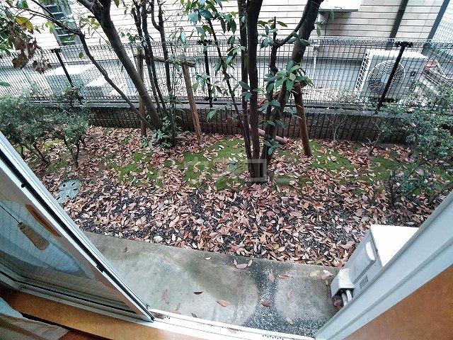 レオパレスA 105号室の庭
