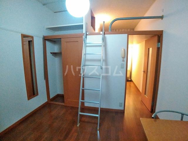 レオパレスA 105号室のリビング