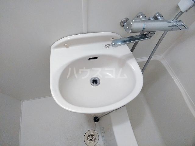 レオパレス大和 203号室の洗面所