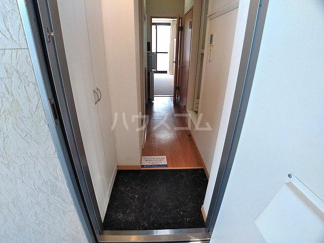 レオパレス大和 203号室の玄関