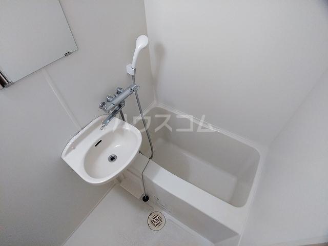 レオパレス大和 302号室の風呂