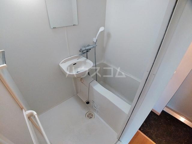 レオパレス大和 303号室の風呂