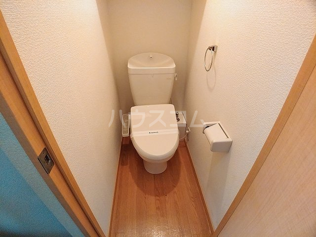 レオパレス大和 303号室のトイレ