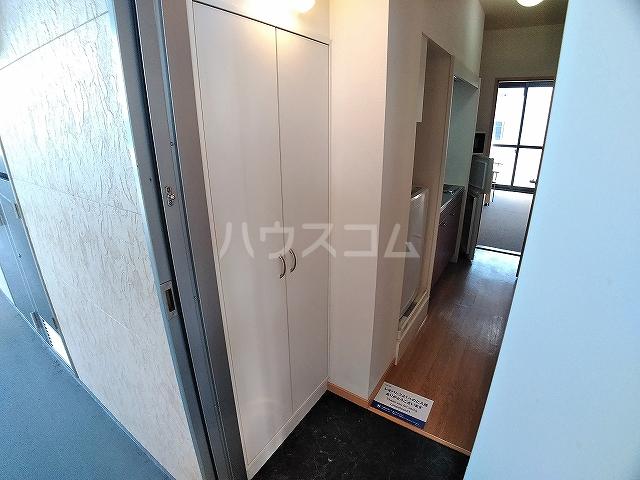 レオパレス大和 303号室の玄関