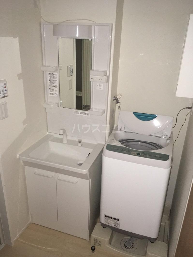 クレイノリバーサイド 203号室の洗面所