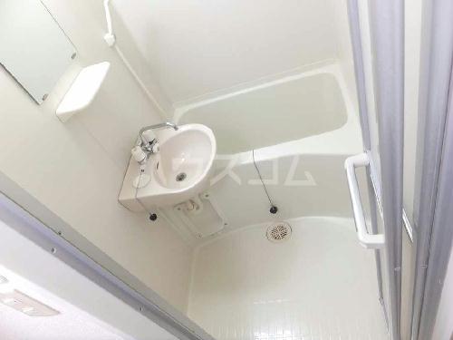 レオパレスフローラ 205号室の洗面所