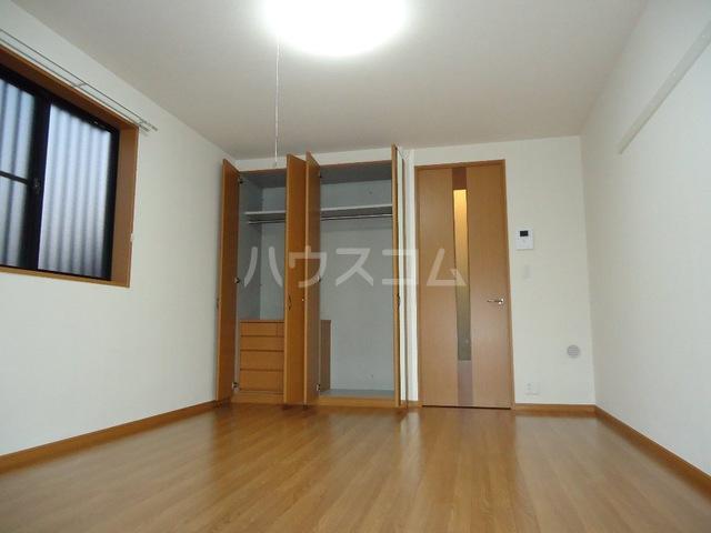 ベル・グラース 00103号室の収納