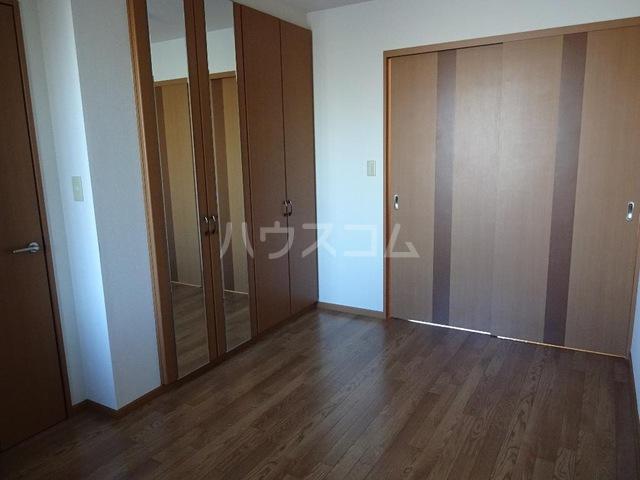 ピュア ステージ 103号室のベッドルーム