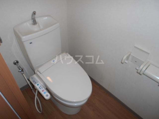 フローラル レジデンス 105号室のトイレ