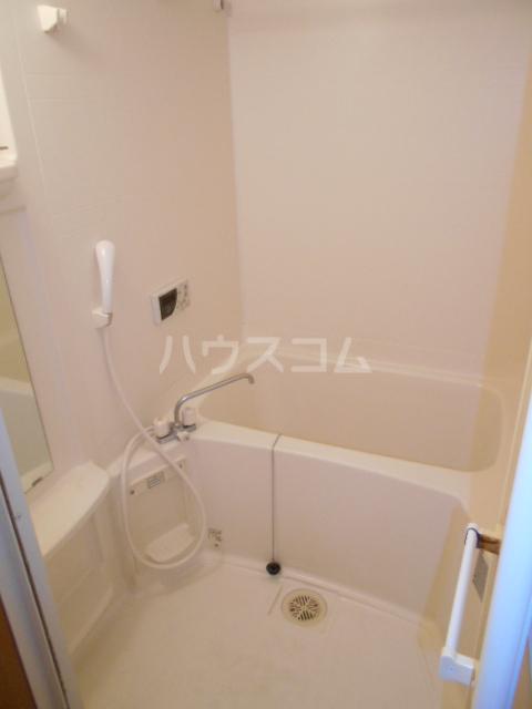 フローラル レジデンス 105号室の風呂