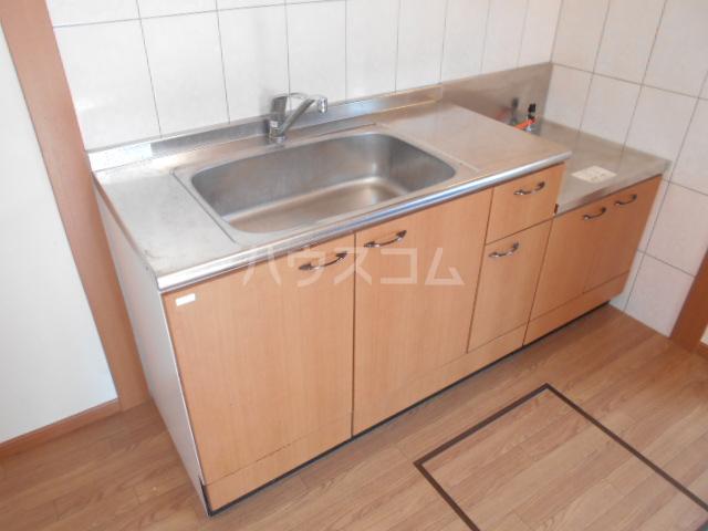 フローラル レジデンス 105号室のキッチン