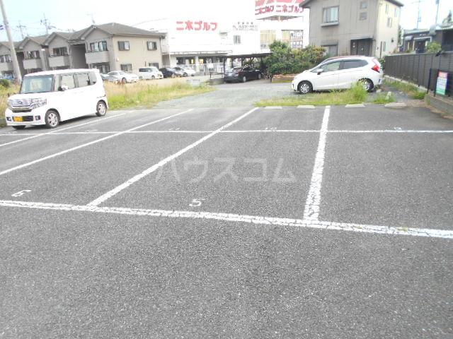 響ガーデンレジデンス 105号室の駐車場
