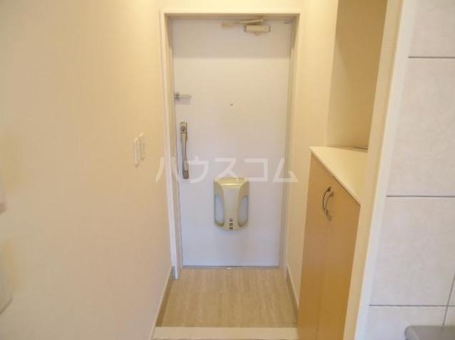 Sereno 205号室の玄関