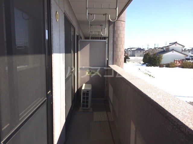 エスポアールK 202号室のバルコニー