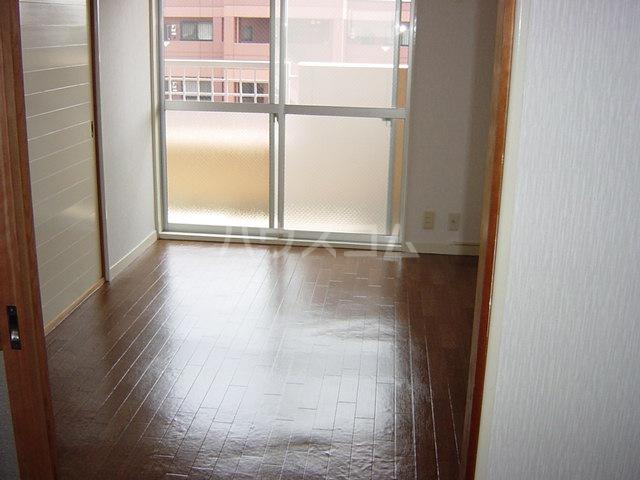 エル アスカ 00305号室の居室