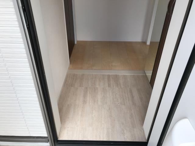 グレイス・ワン 102号室の玄関