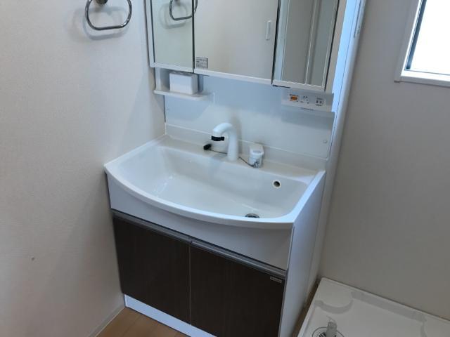 グレイス・ワン 102号室の洗面所