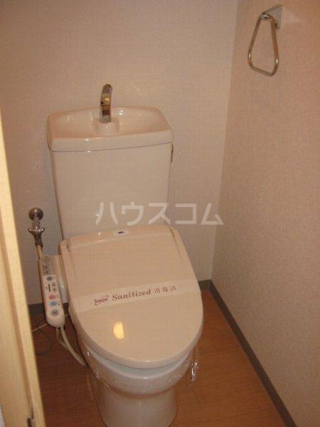 ガーデン鏡池 102号室のトイレ