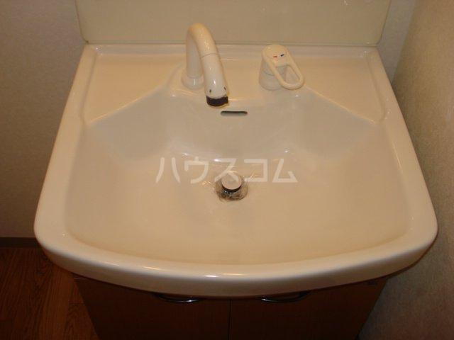 サンライズK 102号室の洗面所