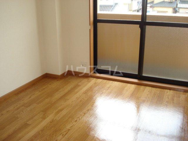サンライズK 102号室のバルコニー