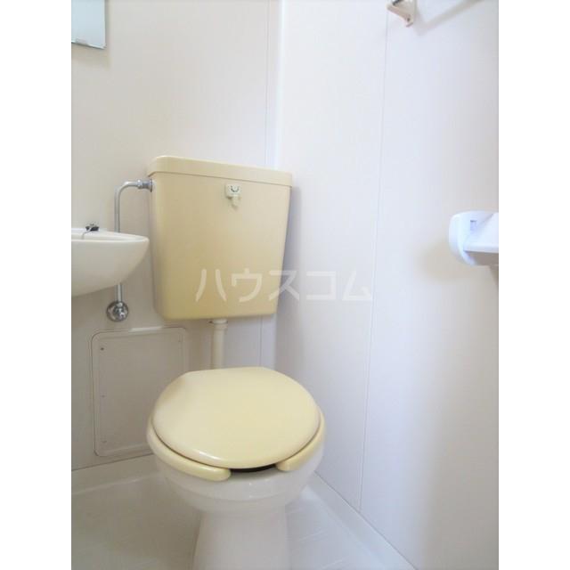 シティコート千駄木 303号室のトイレ