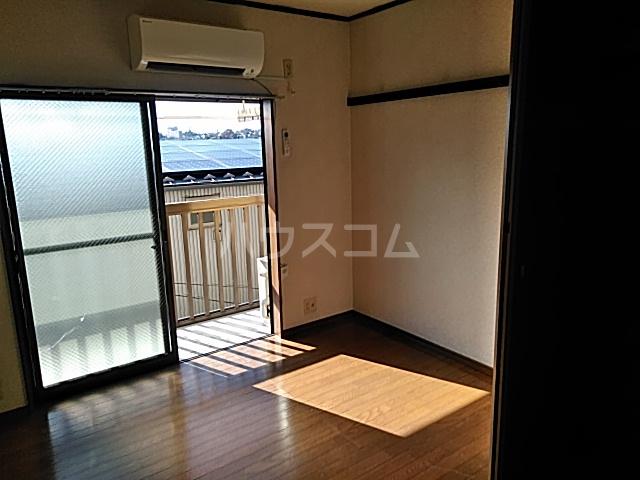 グッドビューハイツ 0201号室の居室