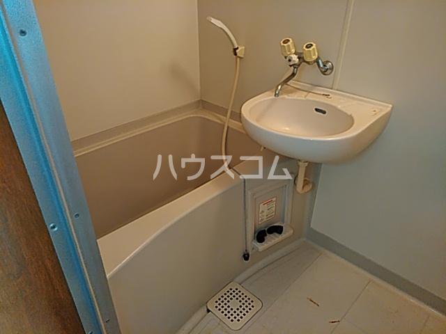 グッドビューハイツ 0201号室の洗面所