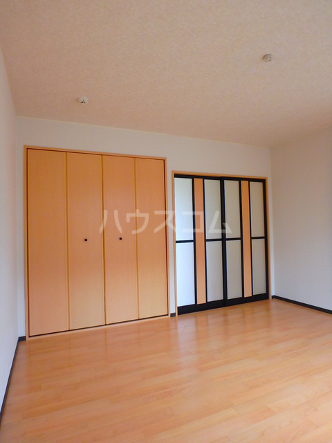 サニーハイツ中島B 102号室の居室