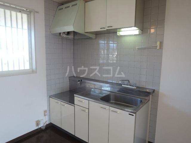 ハイツ寿A 202号室のキッチン
