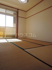ハイツ寿A 202号室の居室