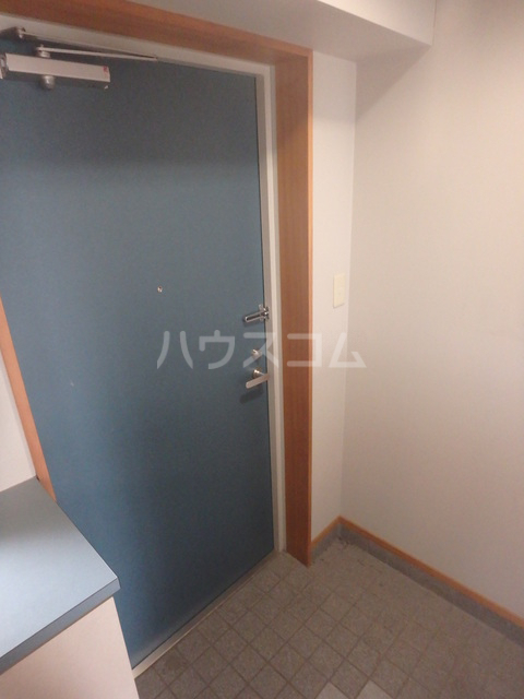 メゾン・ドゥ・フォレ 402号室の玄関