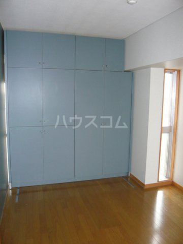 メゾン・ドゥ・フォレ 402号室の収納