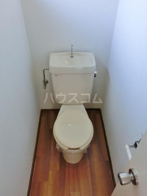 ホワイトタウン若宮 101号室のトイレ